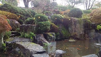 子規の庭.jpg